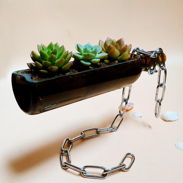 Creative home succulent flower pots, hanging beer bottles creative, this is a creative flower pot