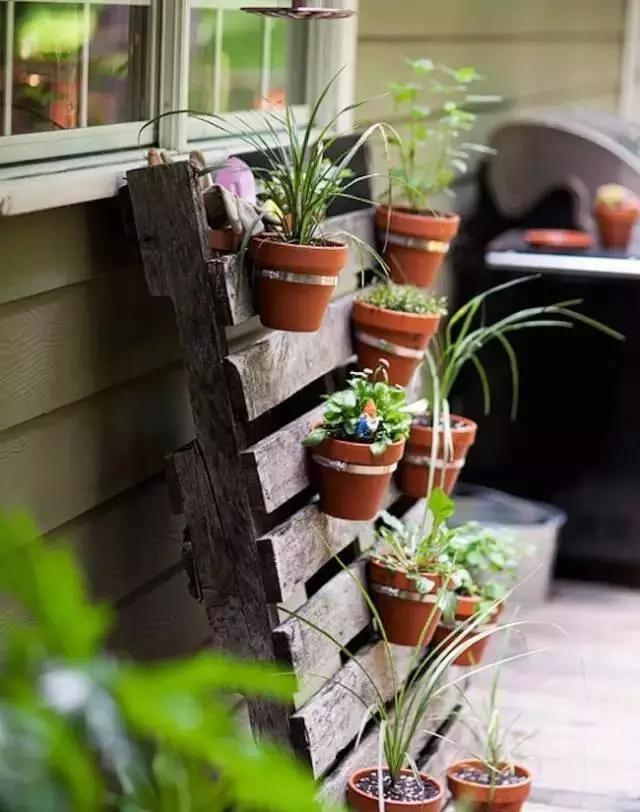 The balcony turns into a small, exquisite garden, moving, just a step away!