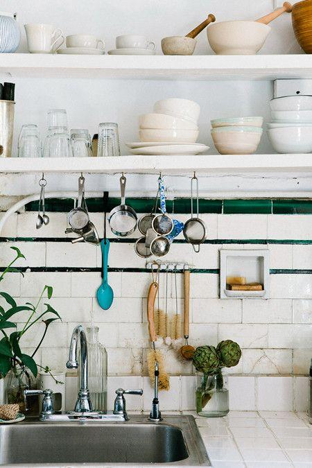 Simple cabinet storage tips kitchen doesn't have to mess!   #cupboard #storage #skill #kitchendesign