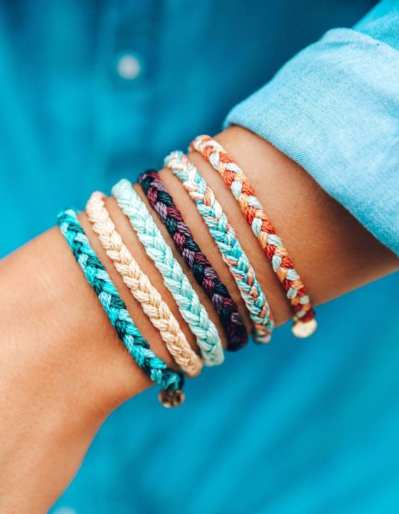 35 different styles of bracelets Elegant and charming bracelets