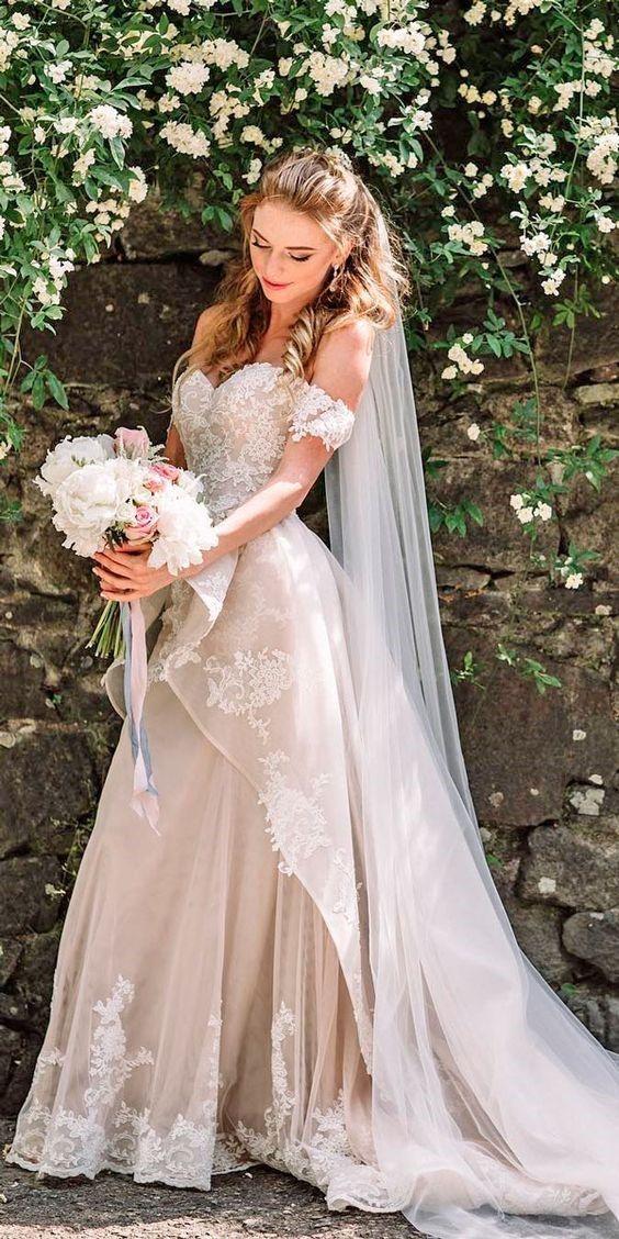 35 TOTALLY UNIQUE FASHION FORWARD WEDDING DRESSES Fabulous wedding dress,silk chiffon wedding dress,wedding dress ideas.