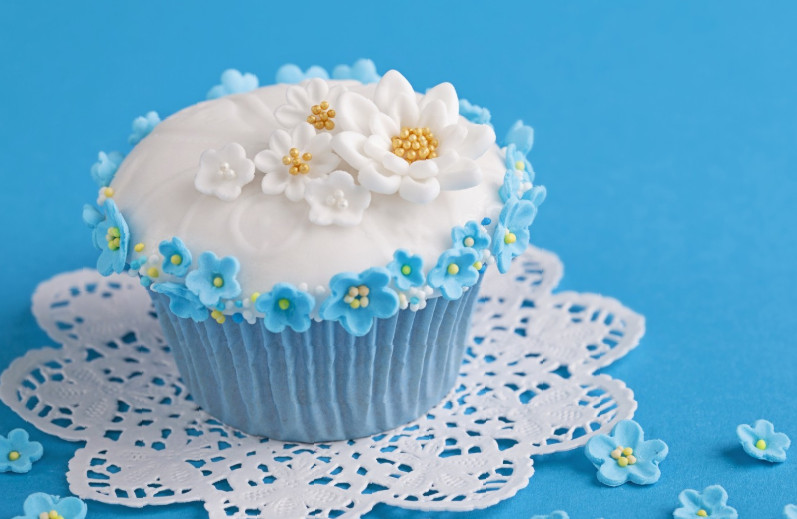 35+ Adorable Wedding Cake Ideas With Cupcakes dessert, cupcake, wedding dessert, food, cake decoration, cupcake ideas, wedding cupcake decorations